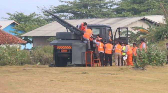 Uji Terbang Roket R-Han 122B di Landasan Udara TNI AU Cikelet