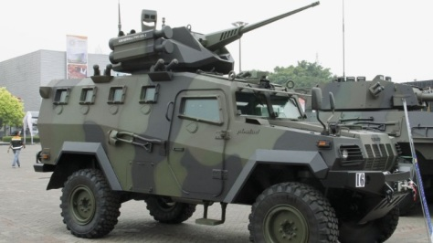 An Indonesian PT Pindad Komodo 4×4 APC is shown fitted with a mock-up of the Belgian CMI Defence CPWS Gen 2. Christopher F Foss