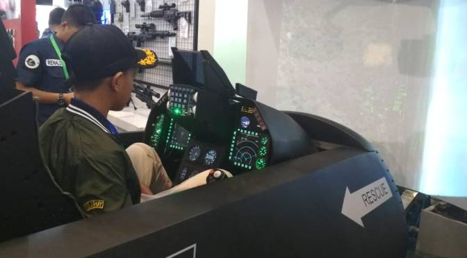 Indo Defence 2018: F-16 Cockpit Demonstrator Jadi Primadona Booth TNI AU