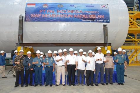 Kapal Selam Changbogo Modul di Galangan PT PAL 20 Maret 2017 (Portal Komando)