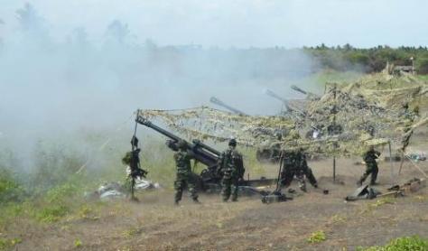 Latihan bantuan tembakan terpadu libatkan 3 matra TNI (Berita Jatim).jpg