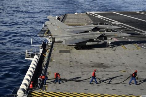 Pesawat tempur yang ditampung berjenis Dassault Rafale M. Reuters