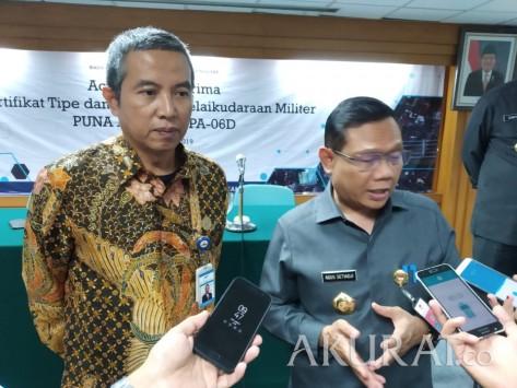 Kepala Pusat Sarana Pertahanan Kemhan, Laksda TNI Agus Setiadji (kanan)