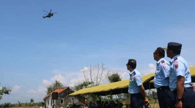 Latihan Menembak Helikopter EC 725 Caracal di AWR Salatri
