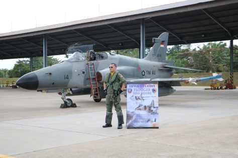 Komandan Skadud 12 Letkol Pnb Asri Effendy Rangkuti yang berhasil meraih 3000 jam terbang
