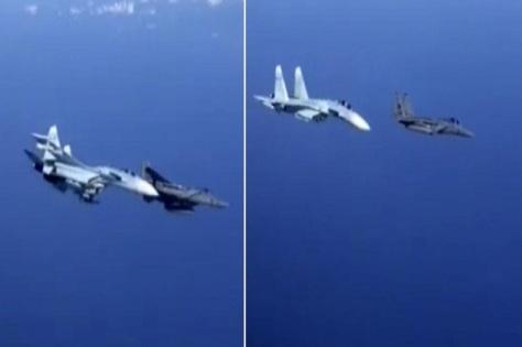 Su-27 Rusia nyaris bersenggolan dengan jet tempur F-15 Amerika Serikat di atas Laut Baltik pada hari Senin. Daily Mirror