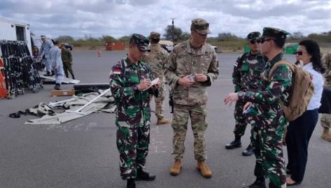 Delegasi Indonesia yang dipimpin Kolonel (Inf) Erwin, S.I.P, saat mengunjungi latihan Penanggulangan Bencana Alam di Hawaii, Amerika Serikat