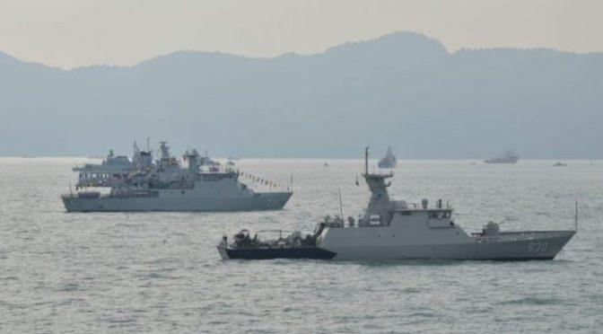 Dua KRI TNI AL Tiba di Perairan Porto Malai