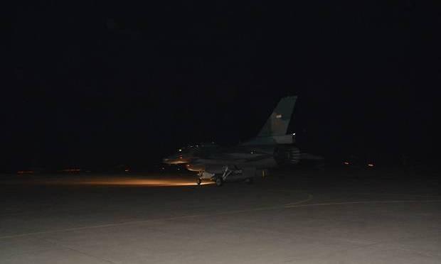 F-16 dan T50i Laksanakan Latihan Menembak 'air to ground' pada Malam Hari