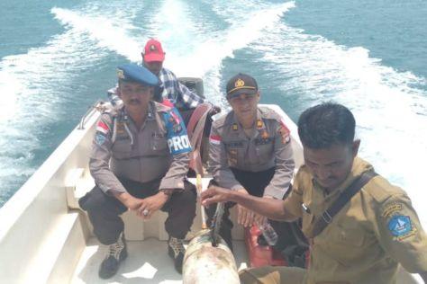 Nelayan Pulau Tenggel, Kecamatan Bintan Pesisir, Kabupaten Bintan, Kepulauan Riau, menemukan drone laut pada hari Sabtu