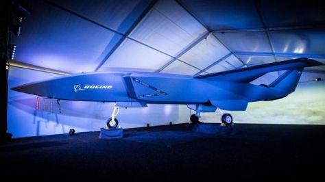 Pesawat tanpa awak Loyal Wingman yang menjadi bagian dari Boeing Airpower Teaming System (Dok. Boeing via newatlas.com)