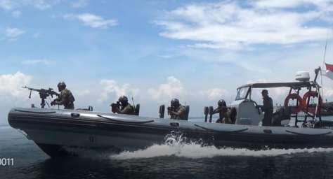 Prajurit Batalyon Intai Amfibi 1 Marinir (Yontaifib 1 Mar)