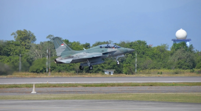 Latihan Serangan Udara F-16 dan T-50i TNI AU