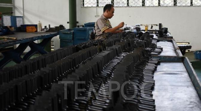 PT Pindad Produksi Pistol dan Senapan (Photo)
