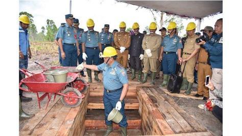 Peletakan Batu Pertama Pembangunan Mako Lanal Ketapang di Kendawang.