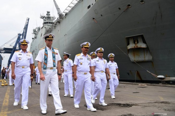 HMAS Canberra Tiba di Jakarta