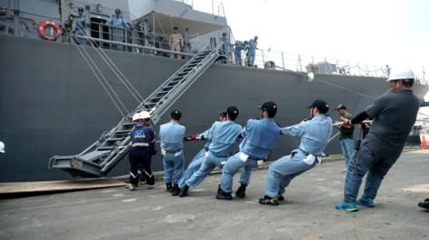 JS Samidare saat singgah di Dermaga JICT 2, Pelabuhan Tanjung Priok, Jakarta, Rabu (0805). Nugroho Sejati - kumparan 2