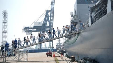 JS Samidare saat singgah di Dermaga JICT 2, Pelabuhan Tanjung Priok, Jakarta, Rabu (0805). Nugroho Sejati - kumparan 5