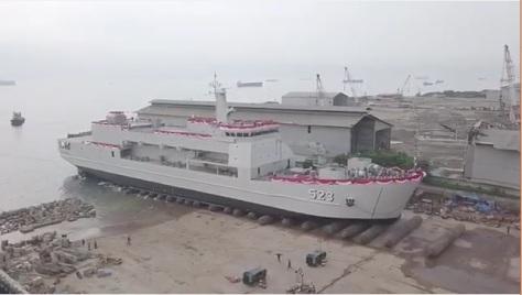 Peluncuran Kapal Angkut Tank AT-6 KRI Teluk Palu-523 oleh PT DRU tanggal 1 Juni 2019. (IMF) 1