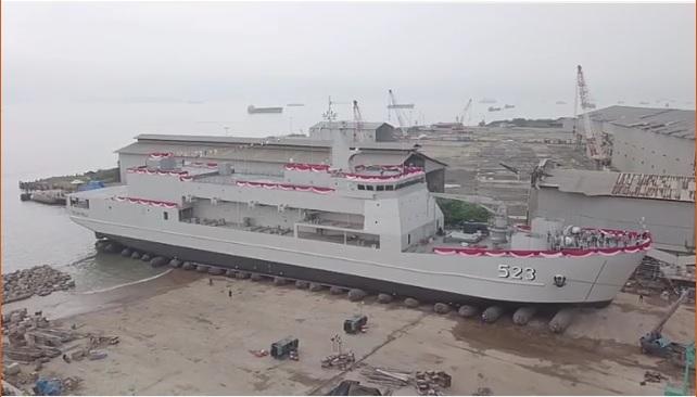 PT DRU Kembali Luncurkan Kapal Angkut Tank (AT-6) Pesanan Kementerian Pertahanan RI