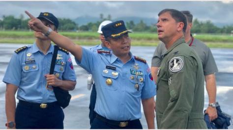 pesawat C-17 Globe Master bernomor registrasi 55152 mendarat di Bandara Sam Ratulangi Manado. (Berita Manado) 1