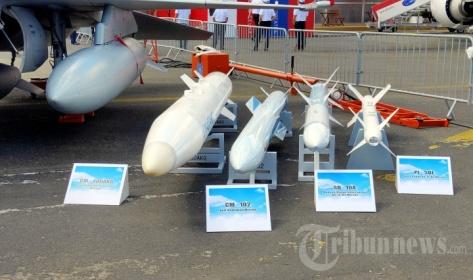 Pesawat tempur JF-17 Thunder yang jadi tulang punggung AU Pakistan dipamerkan dalam ajang Paris Air Show 2019 2
