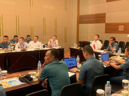 TNI AL bersama Angkatan Laut Federasi Rusia melaksanakan kegiatan SMEE SAR