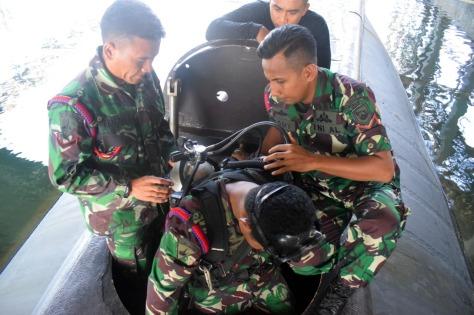 Yontaifib 2 Marinir Latihan Selam Tempur 1