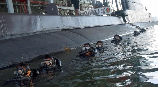Yontaifib 2 Marinir Latihan Selam Tempur