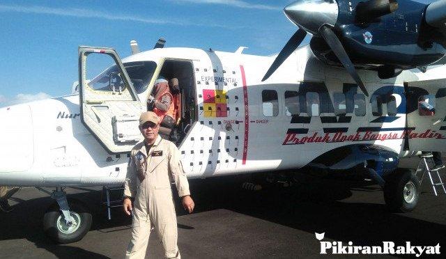 Uji Terbang N219 PT DI di Bandara Nusawiru