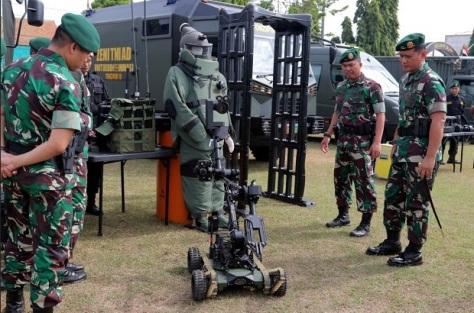 Panglima Divifisi 2 Kostrad Cek Robot Jihandak Yonzipur 10