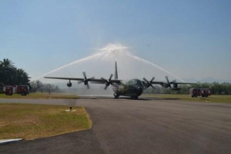 Pesawat Tanker KC-130B Hercules dengan tail number A-1309 tiba di Malang. (TNI AU)