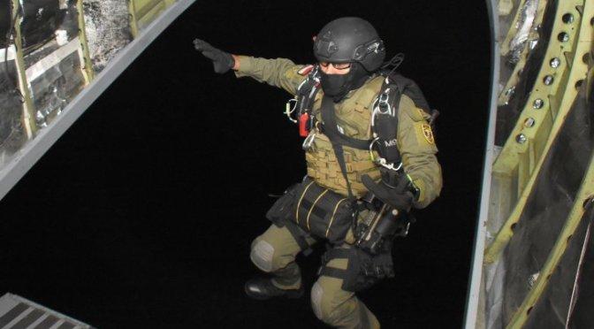 Terjun Tempur Prajurit Batalyon Intai Amfibi 2 Marinir di Armada Jaya XXXVII
