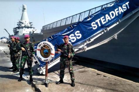 RSS Justice-18, RSS Steadfast-70 dan RSS Vigour-92 di Dermaga Jamrud Utara Pelabuhan Tj. Perak Surabaya