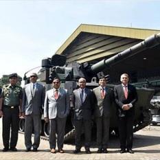 Ade Bagdja menerima kunjungan pimpinan militer Bangladesh yang dipimpin oleh Chief of Army Staff Bangladeshi Army, Aziz Ahmed