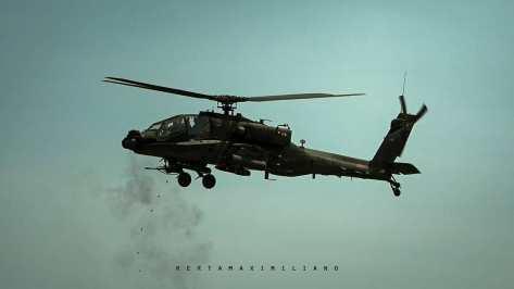 AH-64E Apache Guardian live firing 30mm gun & Hellfire Missile (rertamaximiliano) 1