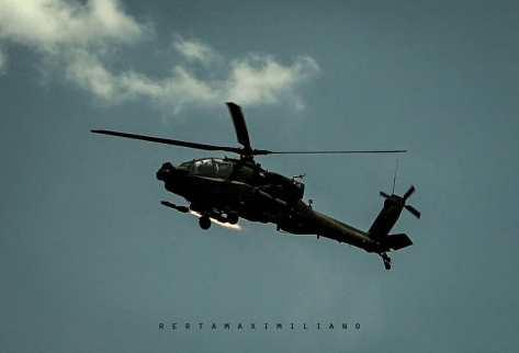 AH-64E Apache Guardian live firing 30mm gun & Hellfire Missile (rertamaximiliano) 2