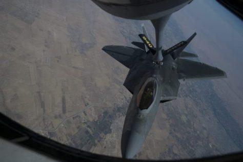 F-22 air refueling (USAF)