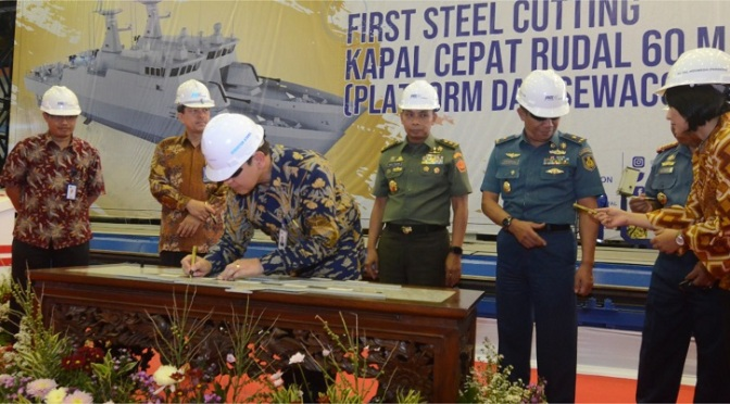 First Steel Cutting Pembangunan Dua Unit KCR 60 M TNI AL