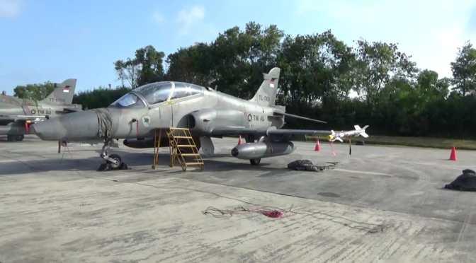 Jet Tempur Jenis Hawk Mendarat di Lanud Dhomber