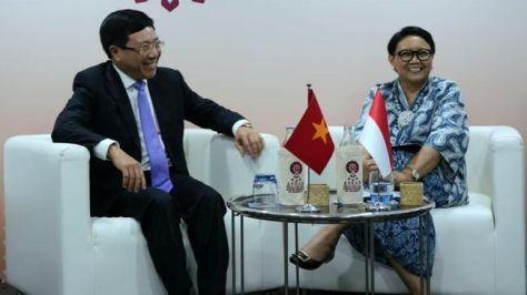 Menteri Luar Negeri Retno Marsudi dan Menlu Vietnam Pham Binh Minh