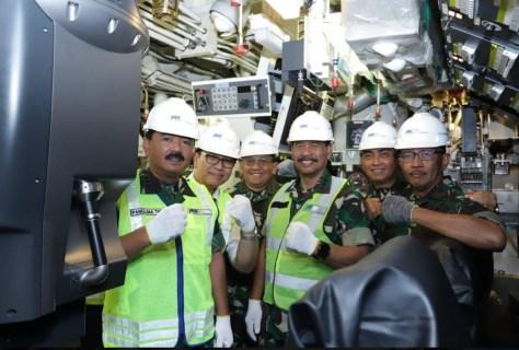 Panglima TNI Tinjau Fasilitas Kapal Selam PT. PAL 3