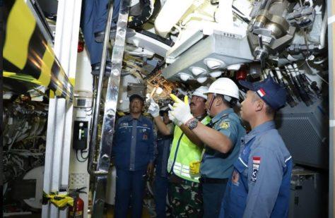 Panglima TNI Tinjau Fasilitas Kapal Selam PT. PAL 4