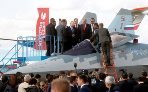 President Recep Tayyip Erdoğan inspect a Sukhoi Su-57 fighter during the MAKS-2019 (Maxim Shipenkov) 1