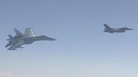 Su-35 Rusia Dilaporkan Cegat F-16 Turki
