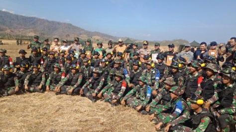 Armed 19 Bogani Laksanakan Latihan Perang di Pesisir Pantai Lolak