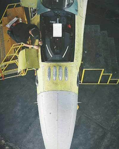 IFF 'Bird Slicer' telah diinstal di pesawat tempur F-16A Block15 OCU (@military_buzz)