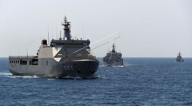 Latihan Gabungan TNI di Laut Jawa (Photo)