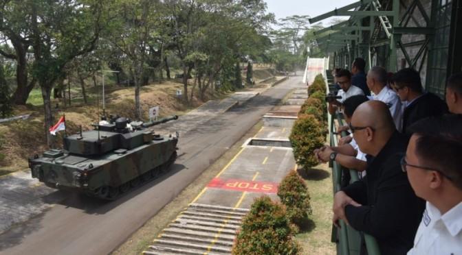 Delegasi Filipina Kunjungi Pindad, Tertarik Medium Tank