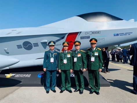 Delegation from Vietnam during ADEX 2019 (BaoDatViet)